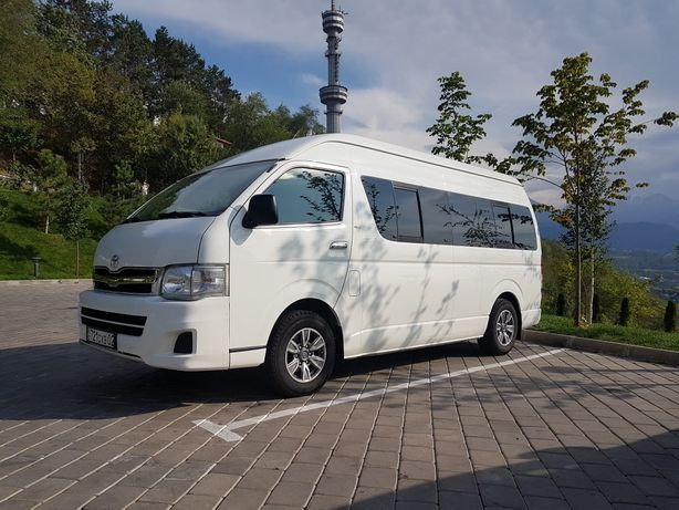 Аренда,заказ пассажирские перевозки на микроавтобусе Toyota Hiace !