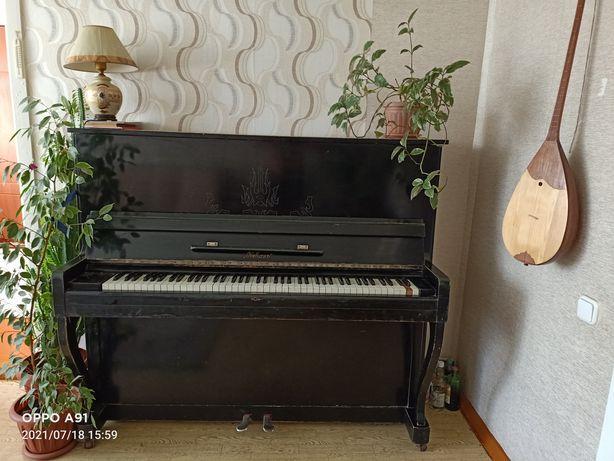 Пианино Кубань в отличном состоянии