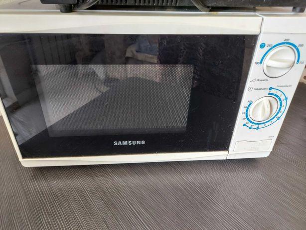Микроволновая печь Samsung б/у