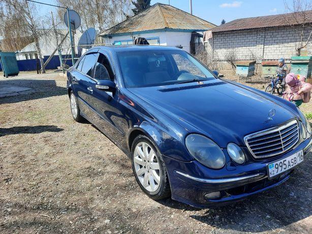 Продам машину Mercedes  Е240