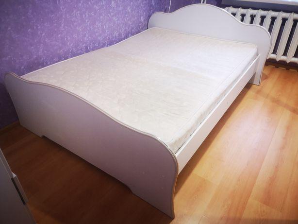 Кровать двуспальная 160*180