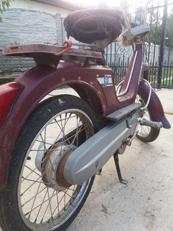 Moped piaggio boxer