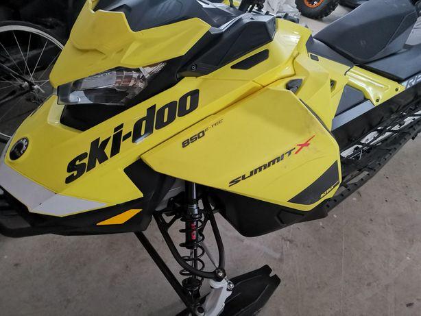 Snowmobile summit x 154