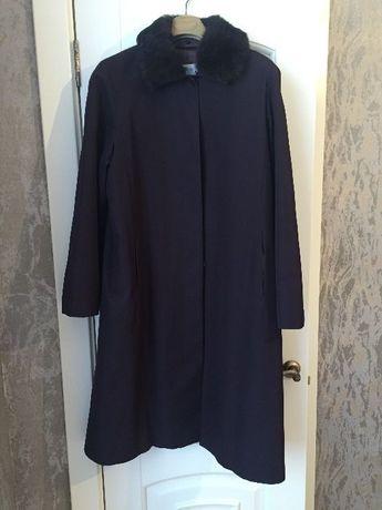 Шикарное пальто Bessini 2 в 1 со съемным меховым воротником