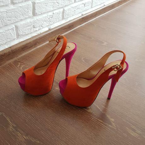 Туфли высокие, 35 размер
