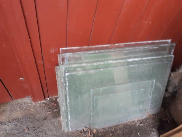 Продам стекло 700 тг за 1 шт