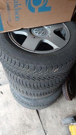Jante aliaj + cauciucuri iarna 195.65.15 VW