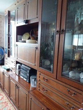 Продам сенку 3-х секционную для гостиной пр-во Рига