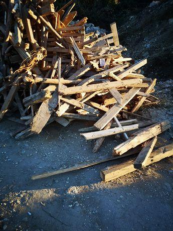 Дърва за огрев и разпалки
