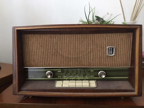 Radio vintage functional