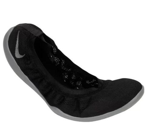 Nike Studio Wrap 38,5