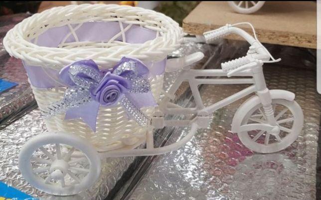Bicicleta alba decorativa,nunta,botez-cos pentru flori,plastic/lemn