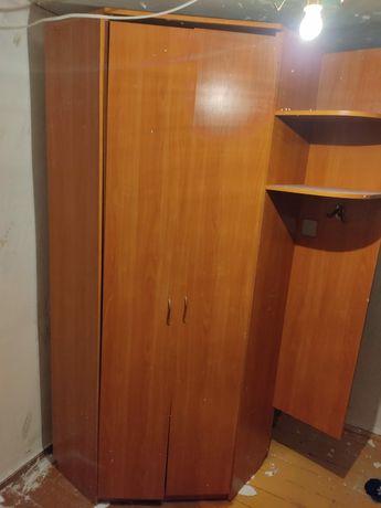 Угловой шкаф в идеальном состоянии