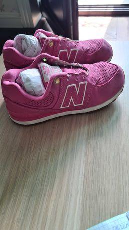 Кроссовки на девочку New balance