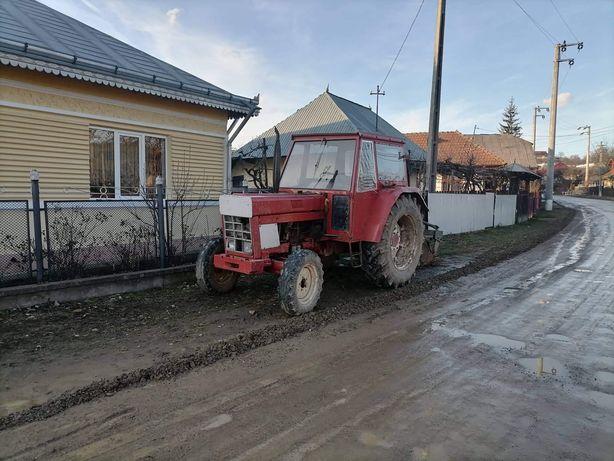 Tractor International 65cp + plug