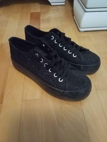 Pantofi sport /tenesi mărime 38