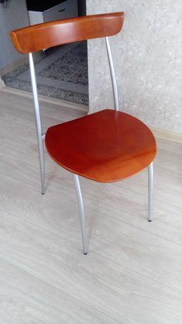 Продаю два стула по 5000