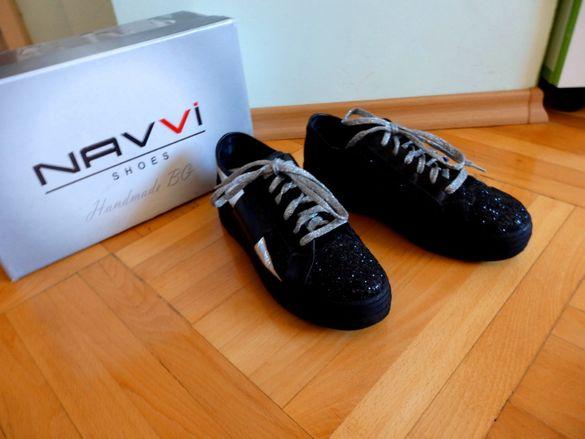 блестящи кецове на платформа Navvi намалени!