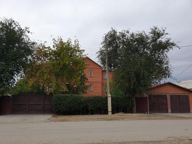 Дом в районе: Первый участок