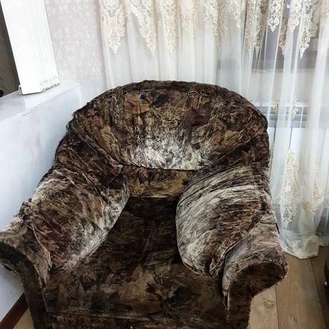 Продам мягкую мебель 3,2,1