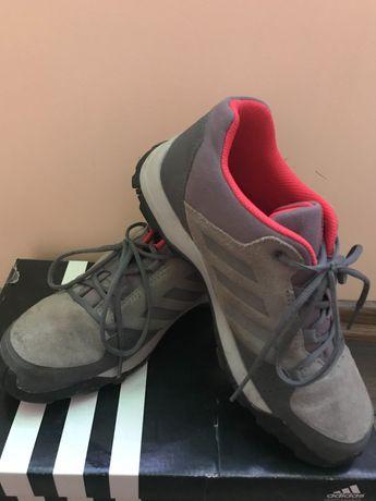 Adidas terrex - ниски туристически обувки