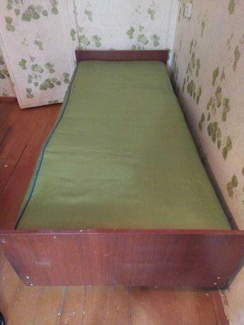 Кровать б/у (2 шт., односпальные)