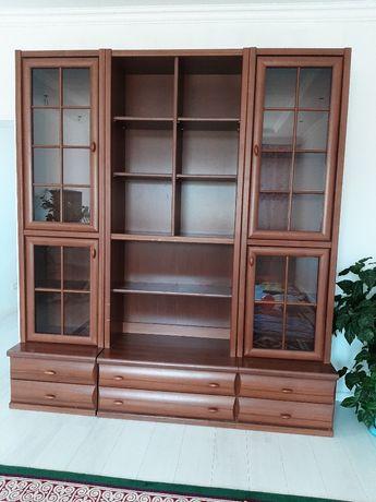 Стенка-шкаф для гостиной