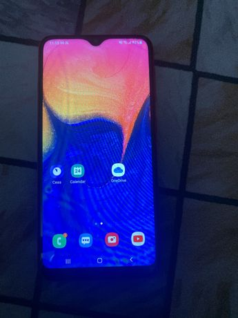 Samsung A 10 red, xiamoi redmi 4 gold