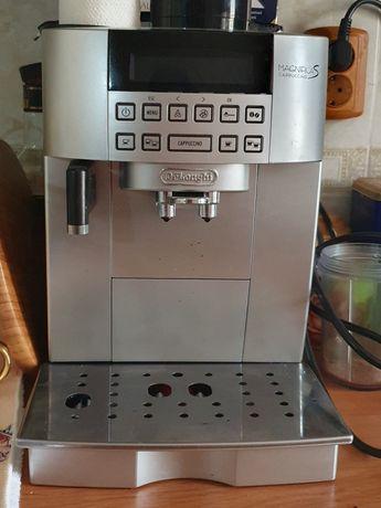 Кофе машина Delonghi Magnifica Ecam 22.360.B,серебристая