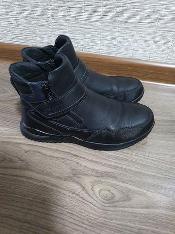 Продаю ботинки демисезонные
