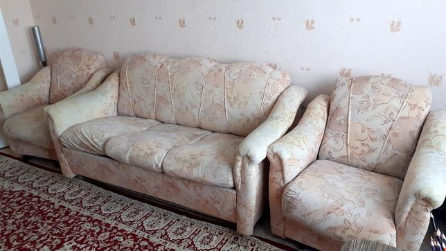 Продаётся диван с креслами