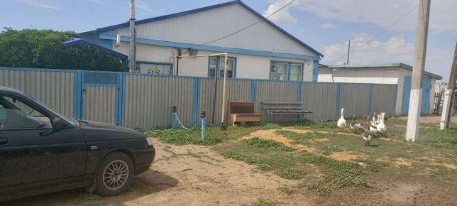 Продам дом в сельской местности! Условии для проживания есть .Вода газ