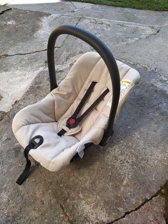 Столче/кош за кола Cam
