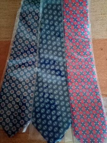 Нови вратовръзки комплект