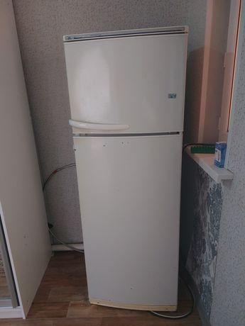 Холодильник б.у. в хорошем состоянии