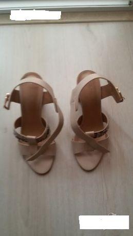 Дамски сандали 37