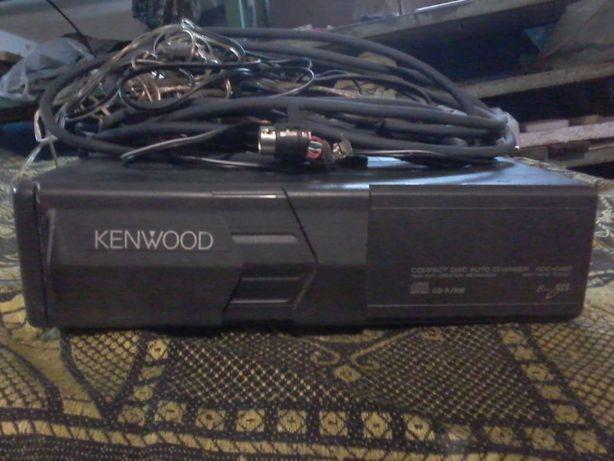 CD чейнджер KENWOOD - продается как не рабочий