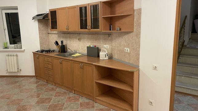 Кухонный гарнитур .