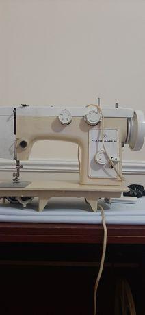 Продаются швейная машина
