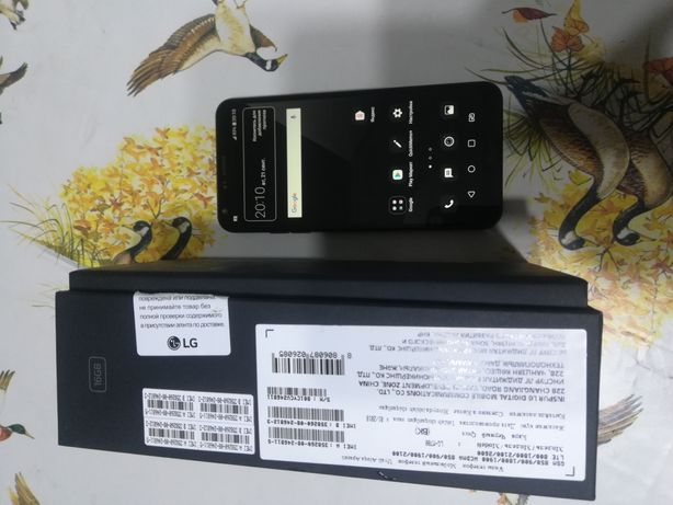 Продам телефон LG Q6a