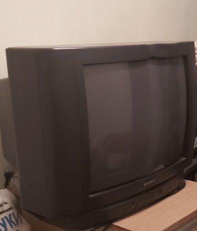 Продаю телевизор или меняю на потолочную люстру