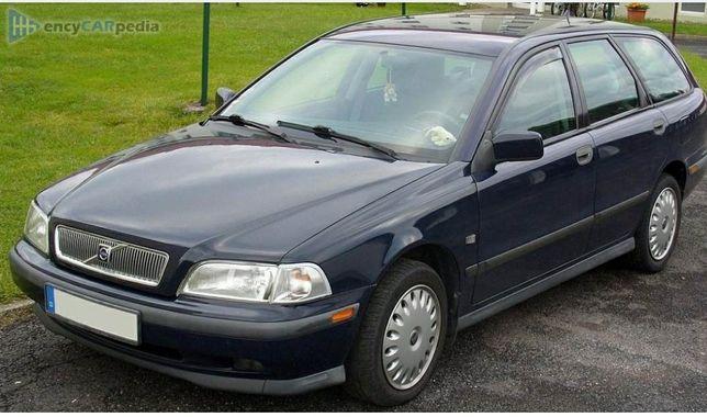 Dezmembrez Volvo v40