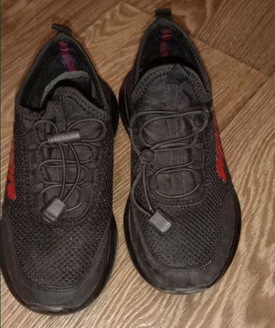 Детские кроссовки 36 размер