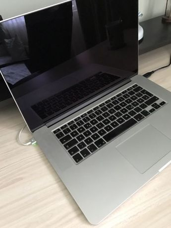MacBook pro 15 inc 2012