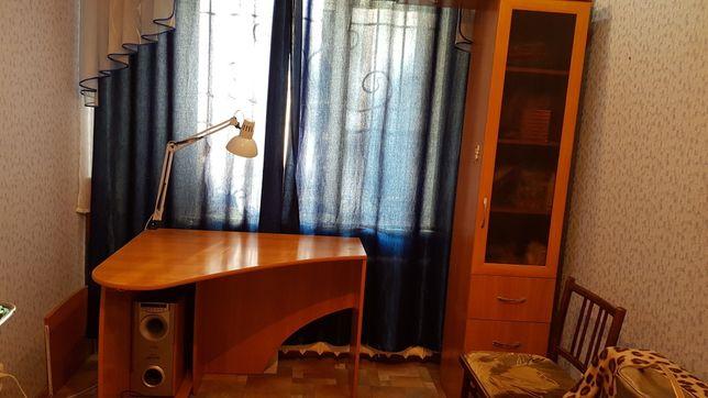 Стол письменный с пеналом