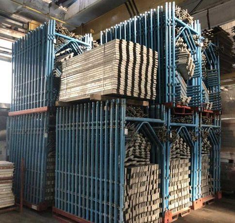 Schela metalica si scule de diferite tipuri pentru constructii