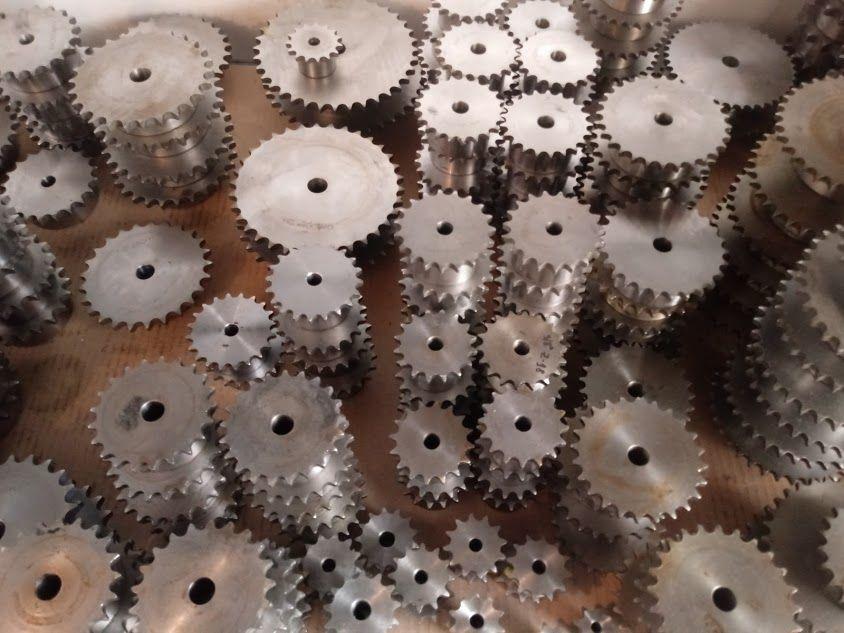 верижни и модулни зъбни колела; вериги; зъбни рейки; рейки за врати