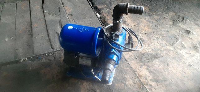 Водяной насос автоматически
