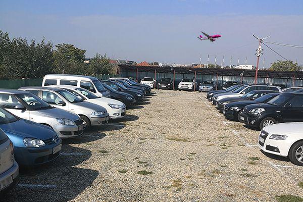 Parcare Aeroport Cluj-Napoca la 3 min distanta .
