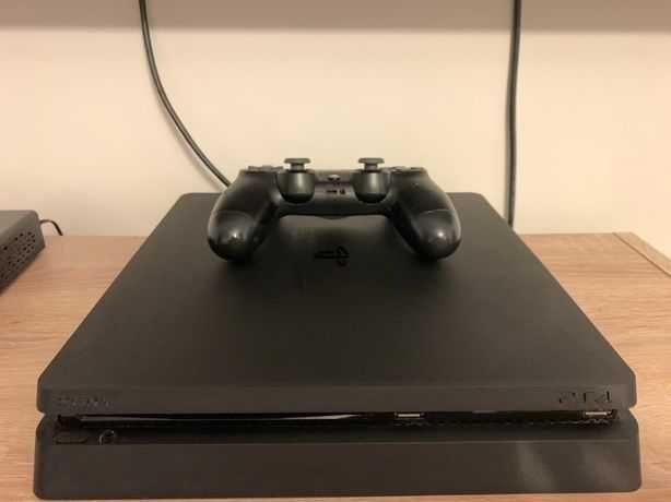 PS4 Slim 500GB + Joystick - FIFA 19, 20, 21